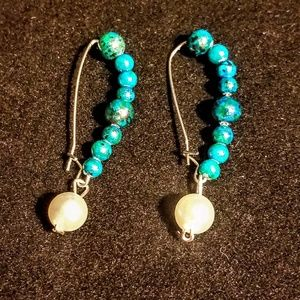 Jewelry - Turquoise and faux pearl earrings